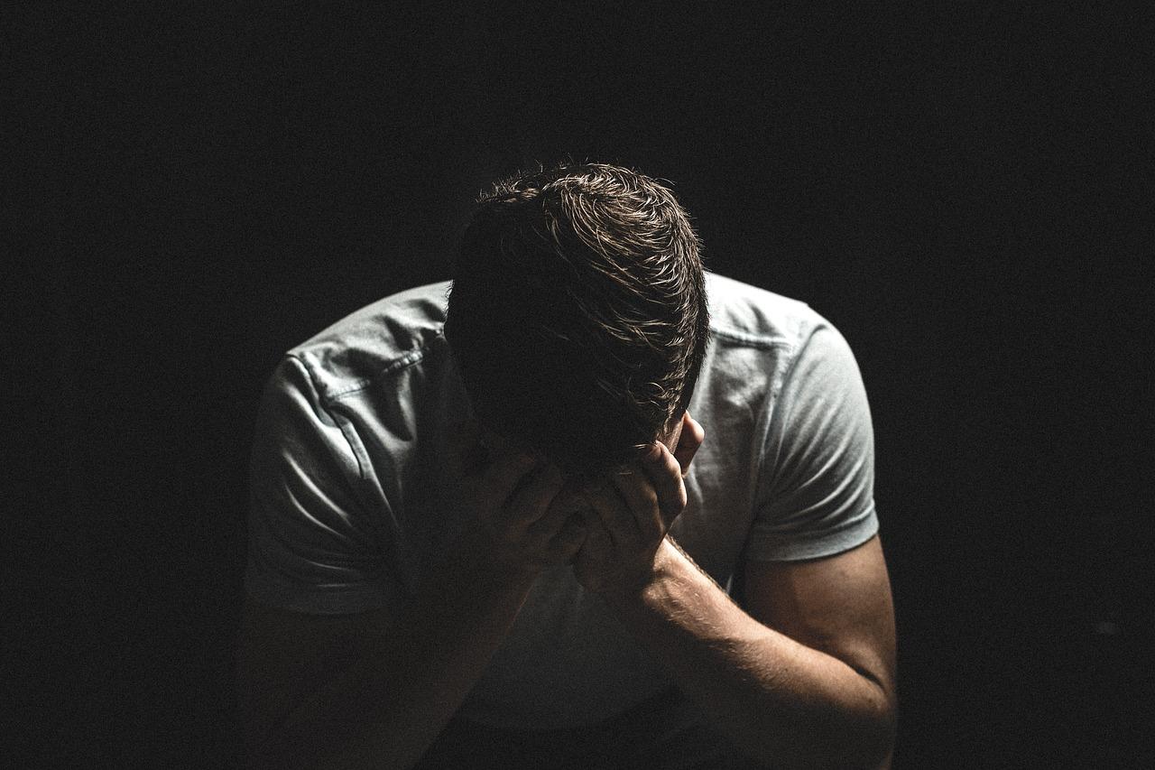 ansiedade-no-relacionamento-causas